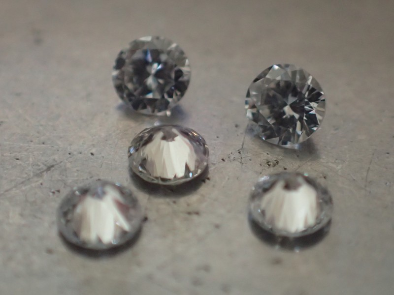 5 NATURALS WHITE DIAMONDS 1.80mm VVS/EF