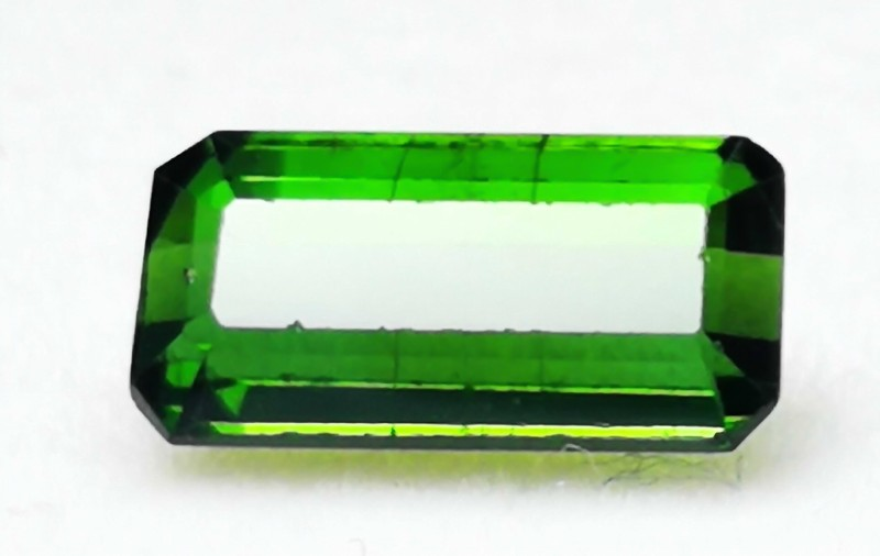 ~~3.55 Carats Green Color Slightly Included Tourmaline Gemstone