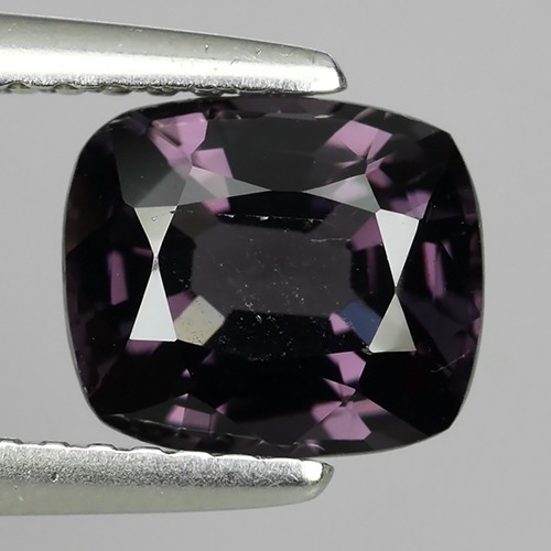 LUMINOUS 1.90 Cts NATURAL SPINSEL-LUXURY GEM
