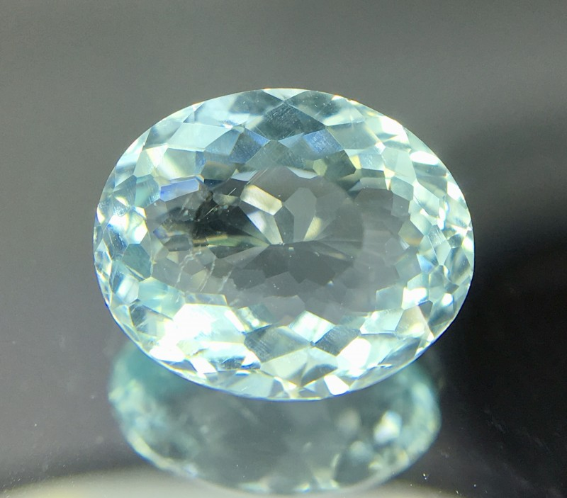 1.65 Crt Zircon Faceted Gemstone