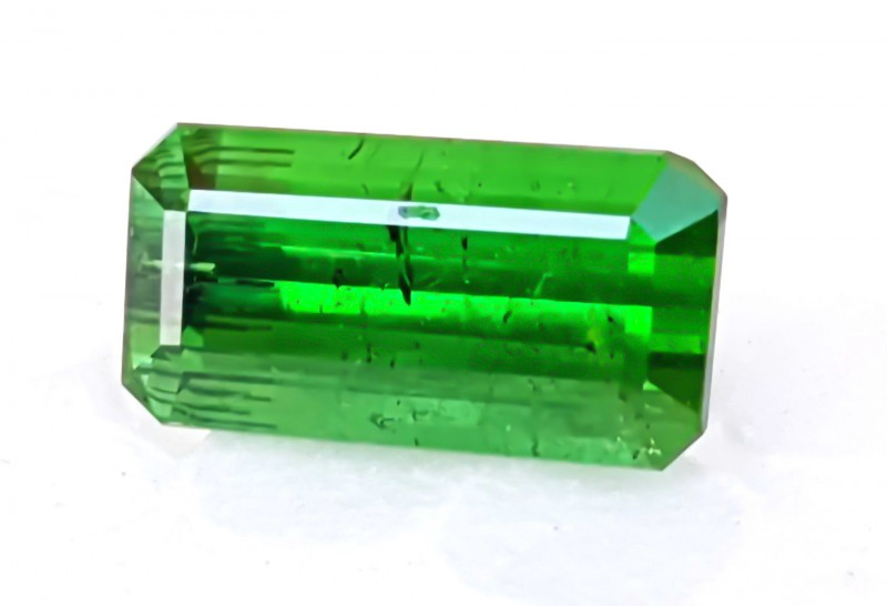 4.60 cts Tourmaline Natural Green Gemstone  INCLUDED