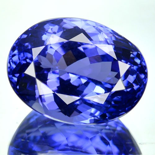 tanzanite in pleochroism purple