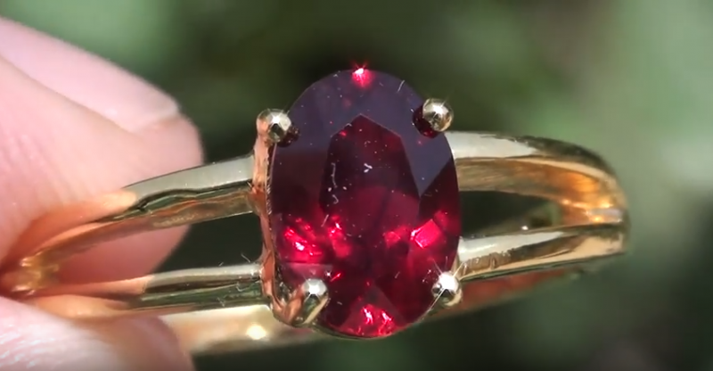 Winza Ruby 1.42ct 18ct Solid Yellow Gold Ring,Solitaire,claw setting,Oval,R