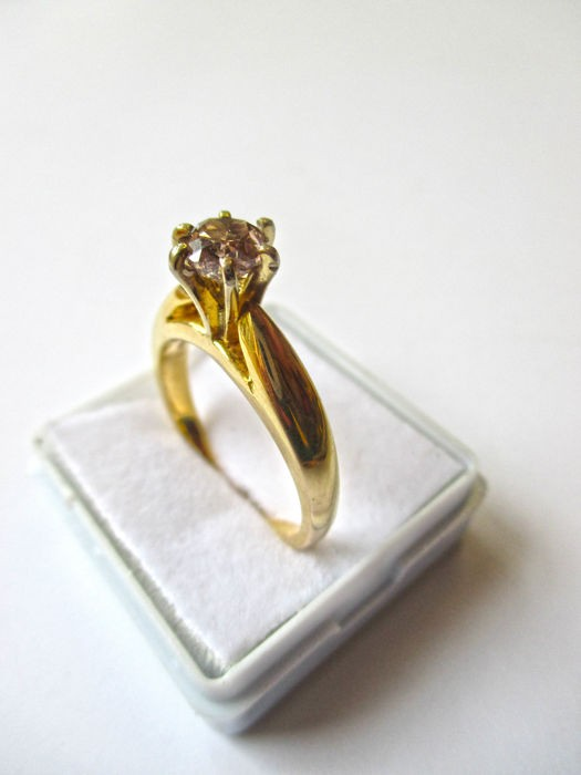 14 kt Yellow Gold Ring with Certified Diamond - 0.89 ct - SI2