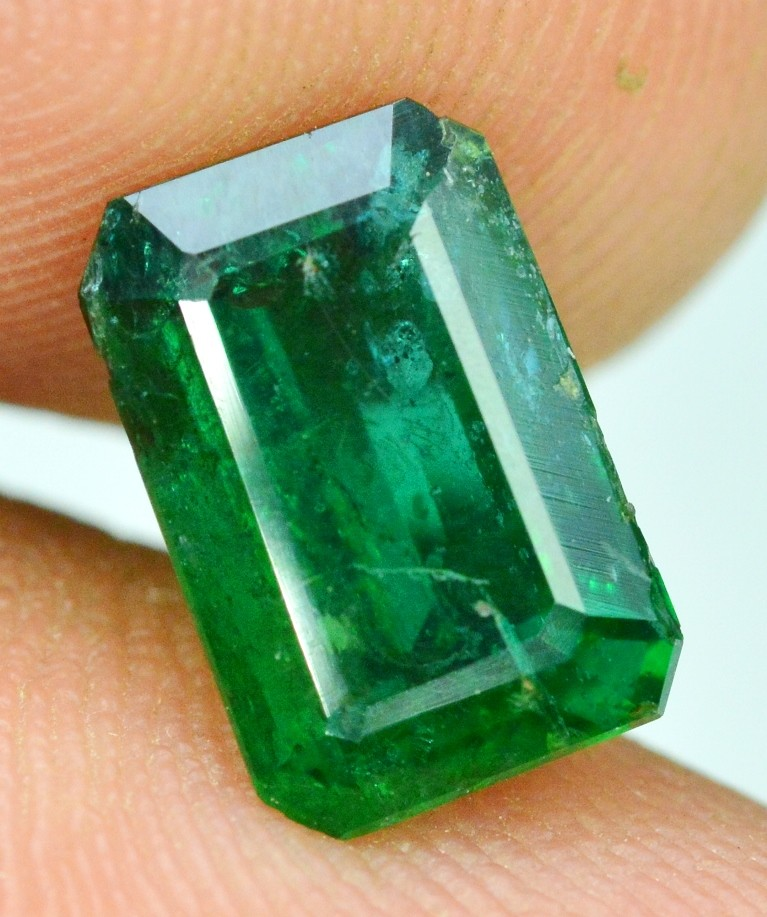 Certified  WIN On 353 1.85 cts Super Quality Deep Green Rare Emerald Cut E