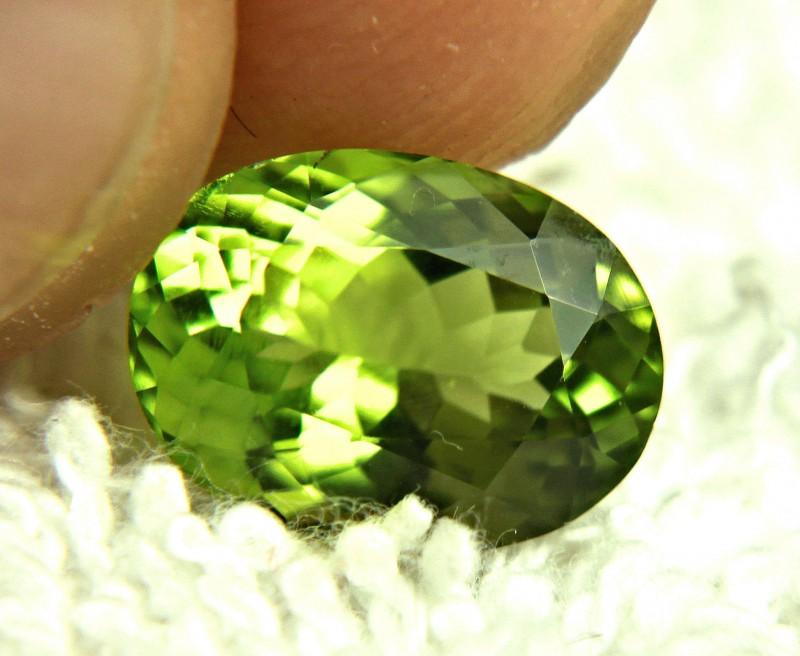 4.03 Carat VS Vibrant Green Himalayan Peridot - Gorgeous