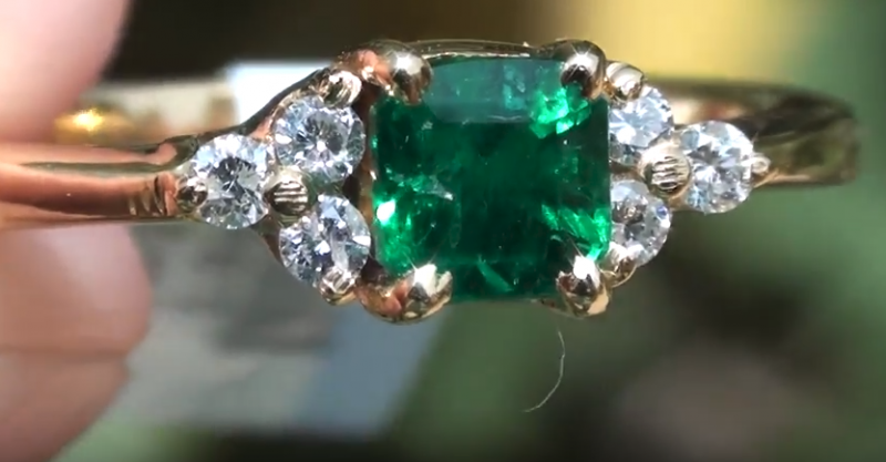 Swat Valley Emerald .79ct with Diamonds 18ct Solid Yellow Gold Ring,750 Hal