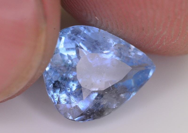 1.95 Ct Superb Color Natural Blue Aquamarine