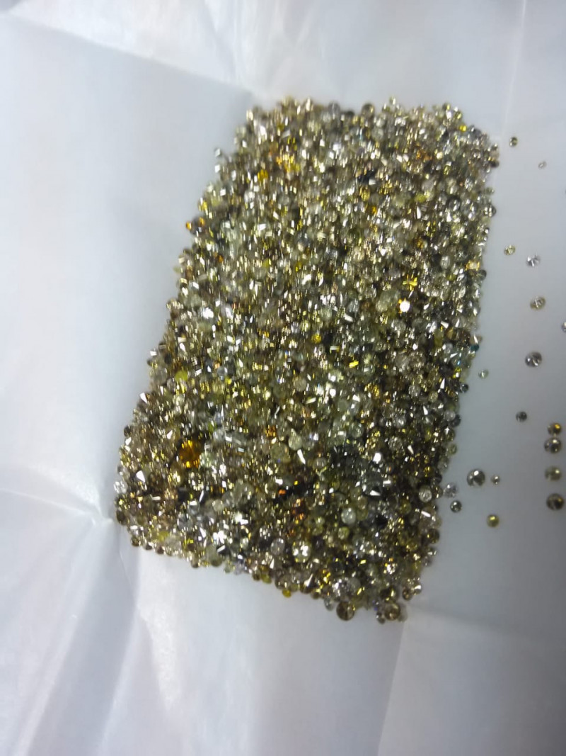 93.5ct Fancy Colored   Diamond Parcel  , 100% Natural Untreated