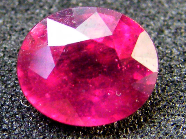 EYE CLEAN SPARKLING OVAL RUBY 1.45 CTS RM 113