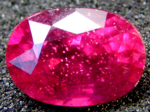 FREE SHIP EYE CLEAN SPARKLING OVAL RUBY 1 CTS RM 131