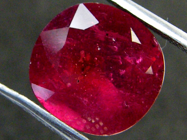 EYE CLEAN PIGEON BLOOD RED RUBY 7.25 CTS RM 142