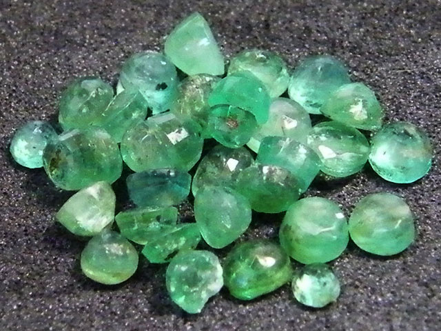 PARCEL FACETED EMERALD STONES 5.05 CTS SGS 24