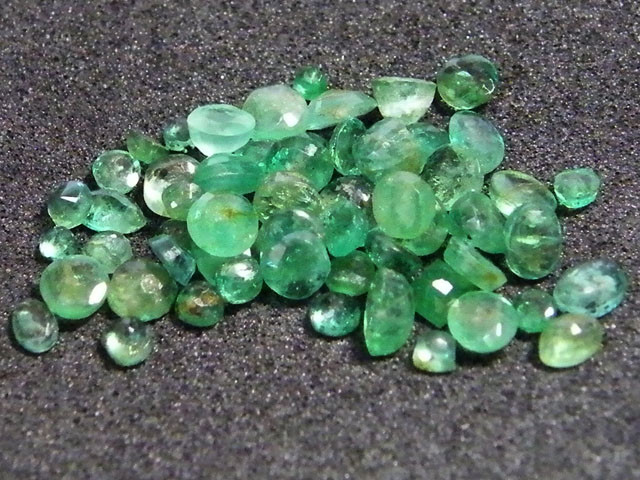 PARCEL FACETED EMERALD STONES 5.50 CTS SGS 29