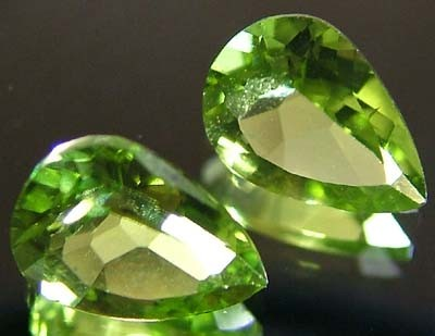PERIDOT NATURAL FACETED STONE 1.65 CTS FN 3279 (TBG-GR)