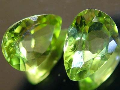 PERIDOT NATURAL FACETED STONE 1.45 CTS FN 3293 (TBG-GR)