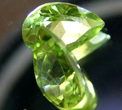 PERIDOT NATURAL FACETED STONE 1.35 CTS FN 3299 (TBG-GR)