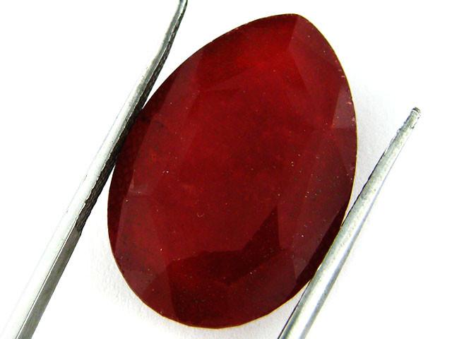 Quartz Ruby Red colour  19   carats   QU 197