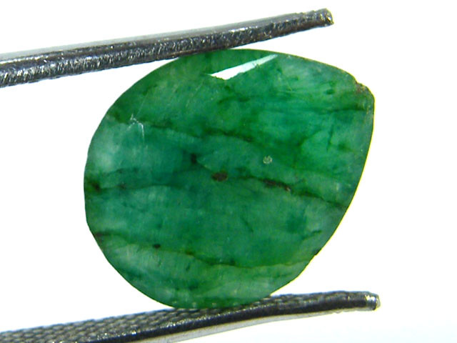 GREEN EMERALD STONE 4.90 CTS SGS 315