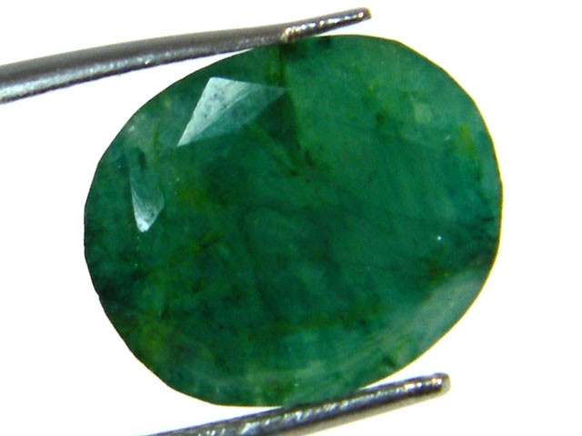 GREEN EMERALD STONE 6.15 CTS SGS 343