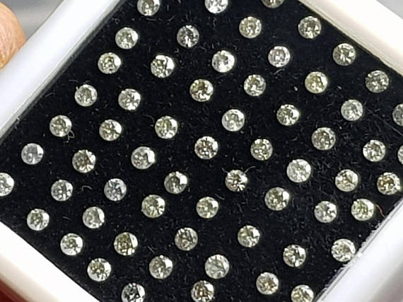18 1.8mm Salt and Pepper diamonds 18 diamonds is 0.5ct