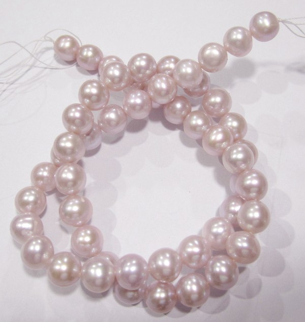 AA+++ QUALITY HIGH LUSTRE MAUVE ROUND 8.00-8.50MM FRESHWATER PEARL STRAND!!