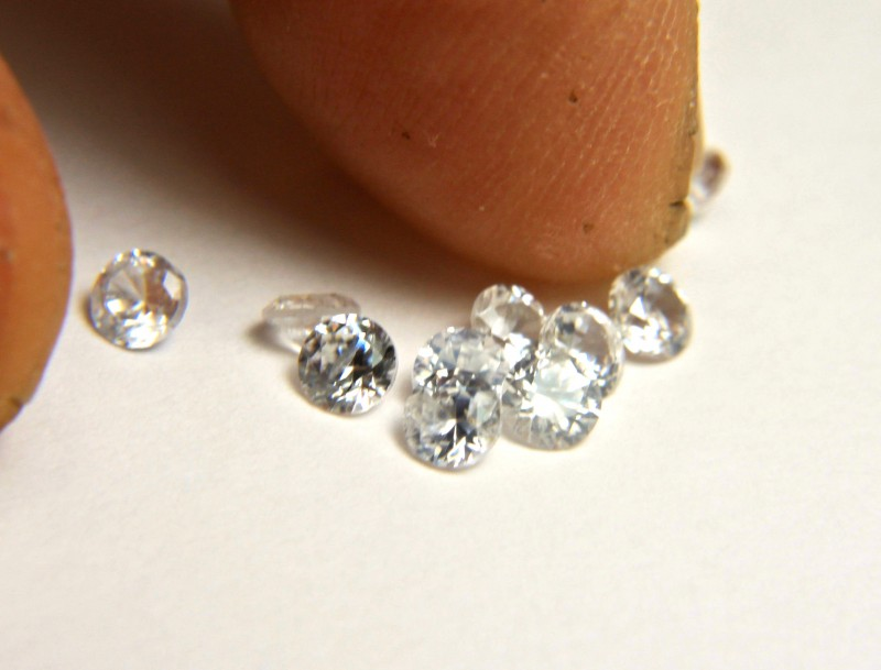 2.56 Tcw. White Zircon Accent Gems VVS/VS - 3.4mm - 10Pc.