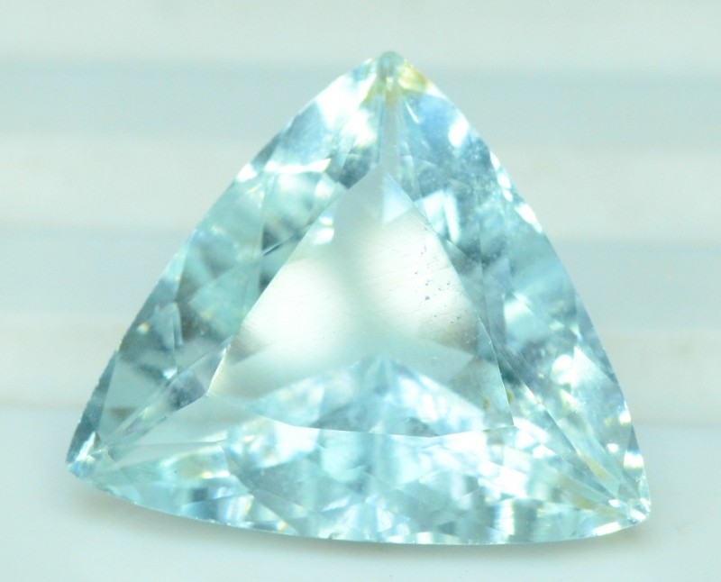 7.05 carats Trilion Cut Natural Aquamarine Gemstone from Pakistan