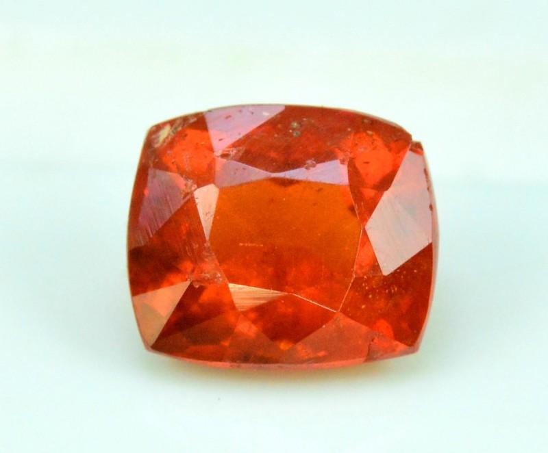 1.10 carats triplite loose gemstone