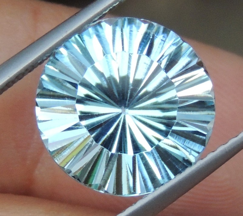 6.16cts, Blue Topaz, Concave cut,   Clean, Calibrated