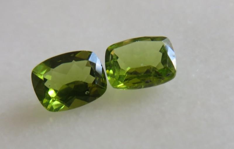 4.8 carats matching pair of beautiful Peridots