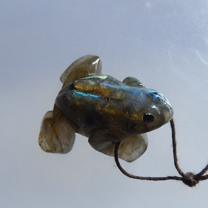 12.3g New Arrival Handcarved Labradorite Frog Drilled Pendant 32x28x15(1805