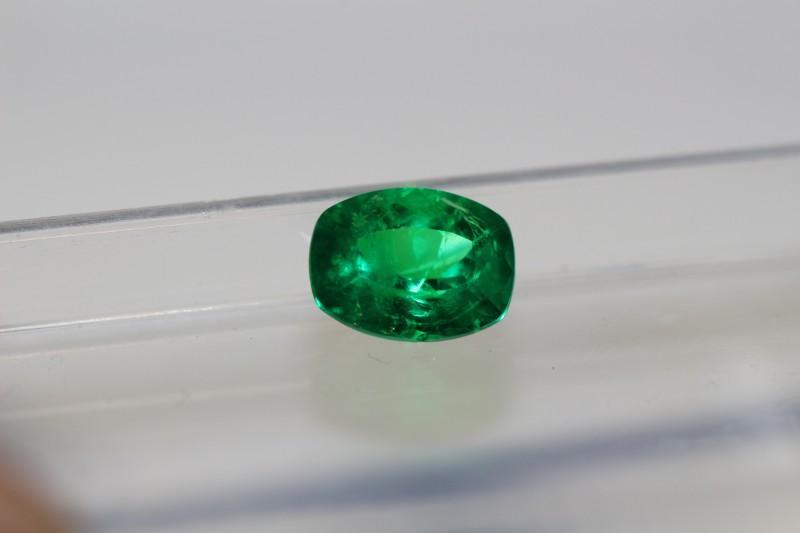 1.15 carat Vivid Green high quality Panjshir Emerald