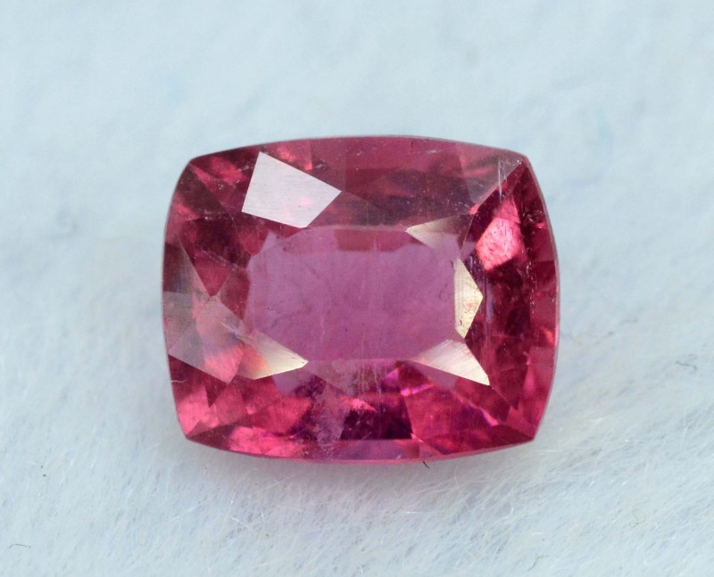 1.66 carats Natural Rubelite Tourmaline Gemstone from Afghanistan