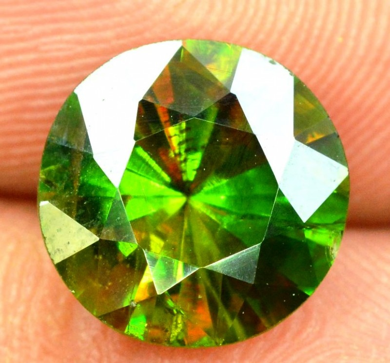 3.10 carats AAA Color Full Fire Natural Chrome Sphene from Pakistan