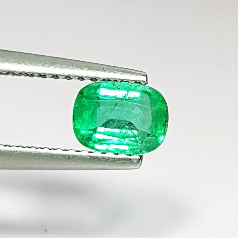 0.67 ct Awesome Green Rectangular Cushion Cut Natural Emerald