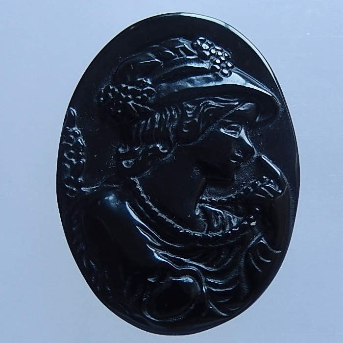 11.9g Natural Carved Obsidian Beautiful Lady Cabochon 40x29x7mm(18051803)