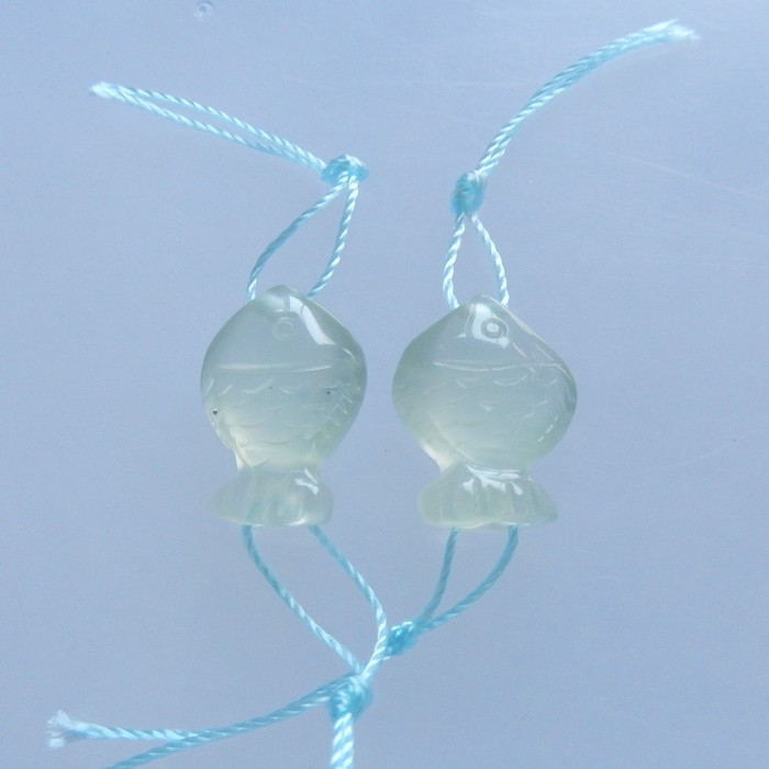 2.4g Natural Carved Fish Nephrite Jade Earring Beads 16x11x6mm (18051806)