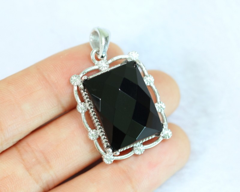 10.75g Natural Black Onyx 925 Sterling Silver Pendant