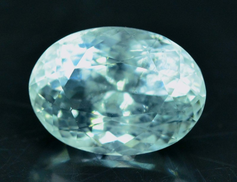 4.85 cts Oval Cut Untreated Aquamarine Loose gemstone from Pakistan (MR)