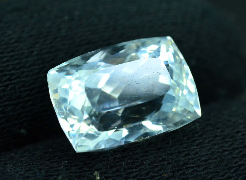 Certified 16.55 cts Brilliant  Cut Natural Aquamarine Loose Gemstone (M)