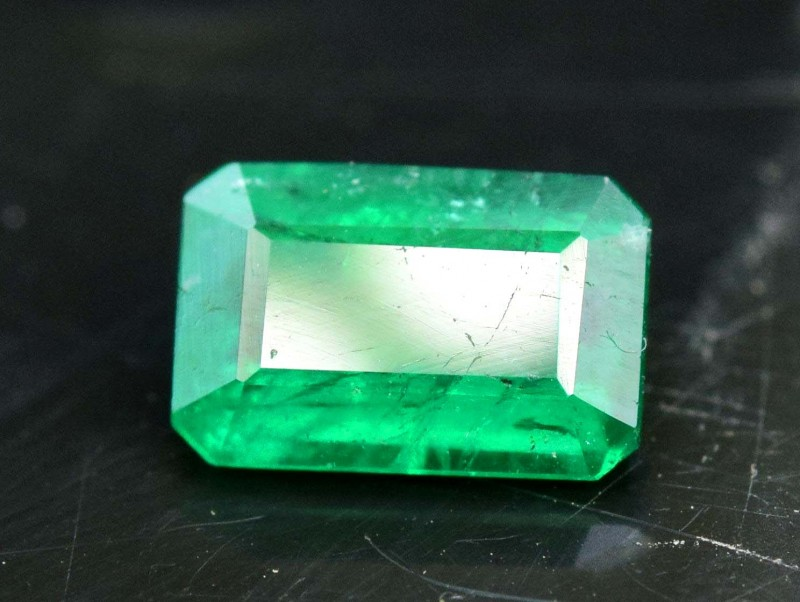 0.85 cts Top Grade Color and lustor Rare Panjsher Emerald Gemstone From Afg
