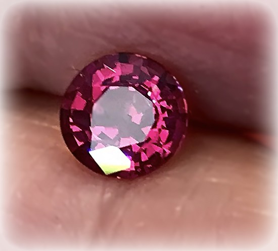 Superb Ruby Pink Umbalite Garnet  VVS lovely gem