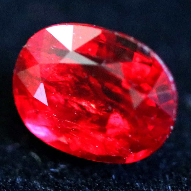 0.75 CTS  PIGEON RED SPINEL FROM KENYA [STS1204] SAFE