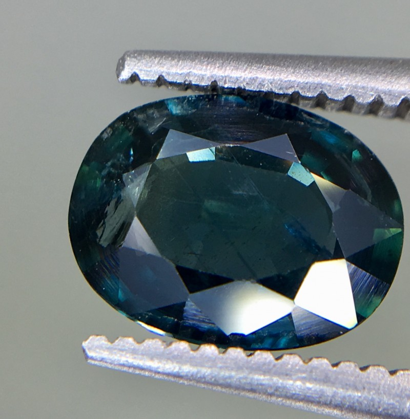 1.36 Crt GIL Certified Unheated Sapphire Faceted Gemstone