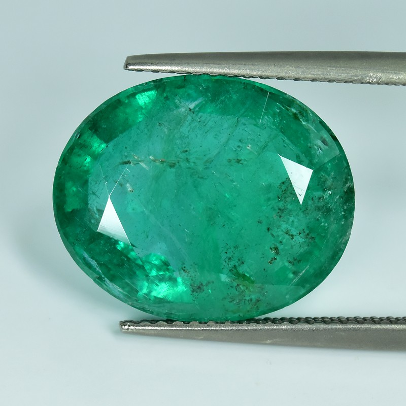 9.65 CTS STUNNING TOP FIRE 100%NATURAL OVAL EMERALD ZAMBIA