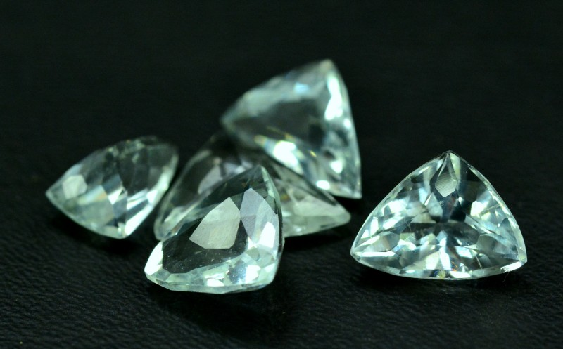 8.70 cts 5 pcs Trillion Cut Lot of Untreated Aquamarine Loose gemstone from