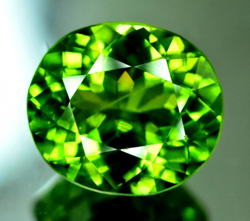 Certified 9.895 cts Top Grade Natural Olivine Green Natural Peridot Gemston