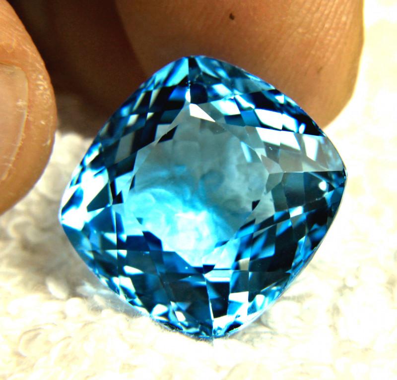 29.41 Carat Brazilian Blue VVS1 Topaz - Gorgeous