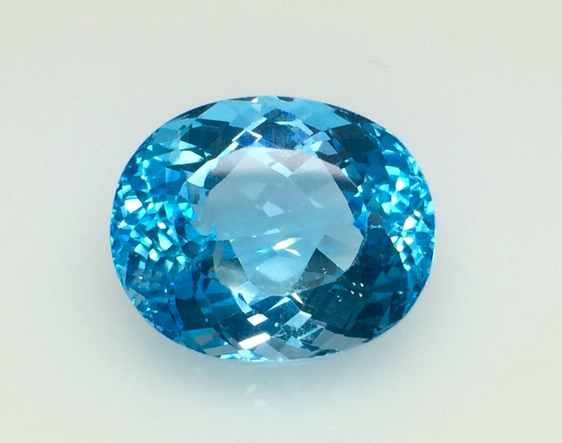 37.13 Crt Natural Topaz Top luster Facetted Gemstone (T 29)